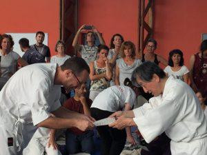 Remise de diplome par Maitre Wataru Ohashi